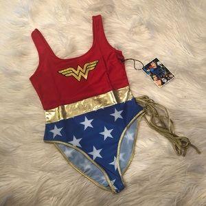 Wonder Women bodysuit